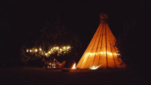 Tipi's at night